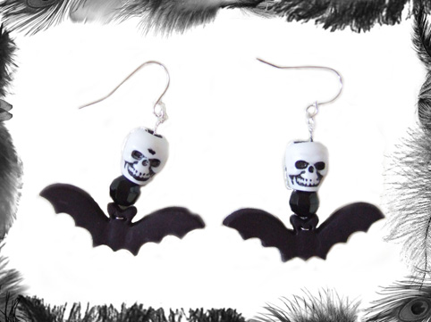 skull and bact earrings, gothic, psychobilly